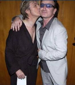 Brit Awards 2016: Bono, Noel e Damon insieme per David Bowie
