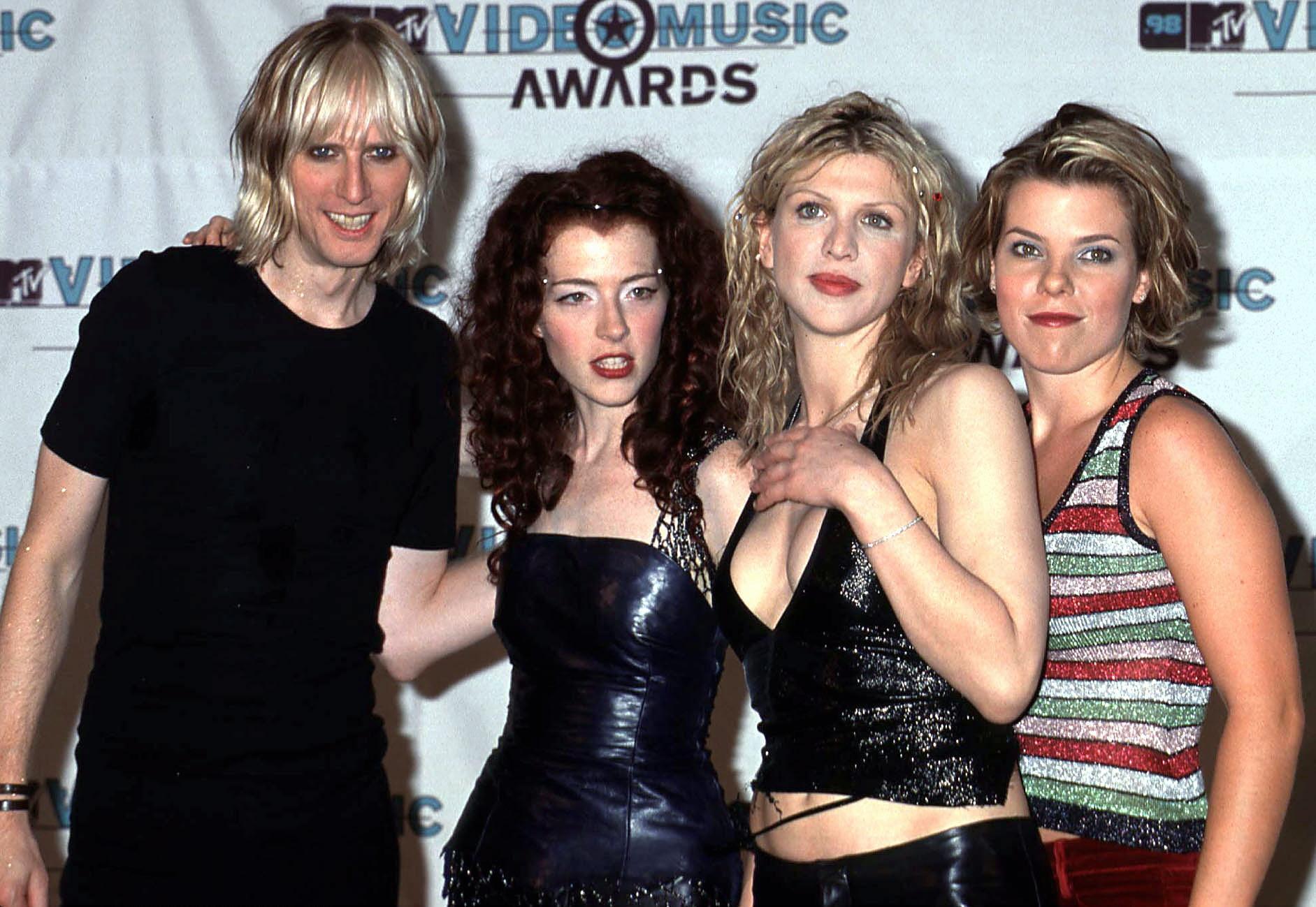 Courtney Love, foto social con le Hole: scatta la reunion?