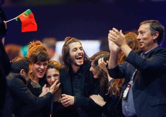 Dopo la delusione dell'Eurovision, Francesco Gabbani presenterà gli MTV Awards 2017